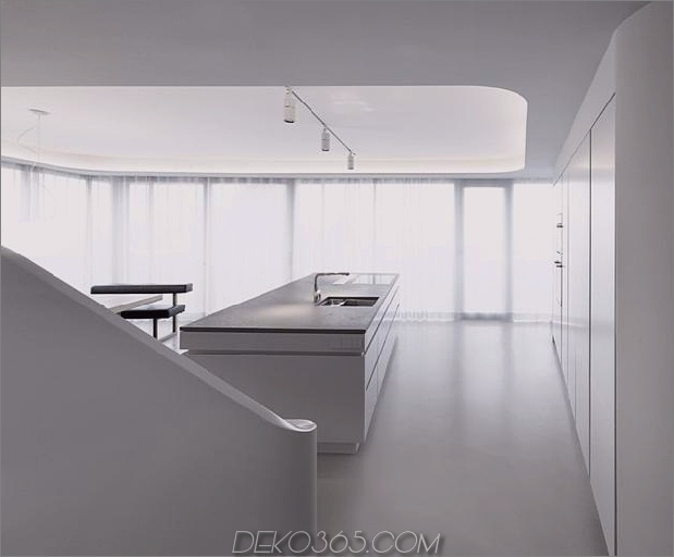 Stahlbeton-Haus-mit-Aluminium-Fassade-15-kitchen-counter.jpg