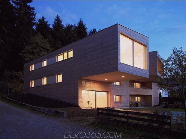 skulpturales Holzhaus mit gestapelten Ergänzungen für drei Familien 2 thumb 630x472 11725 Gestapeltes Haus mit Ergänzungen für drei Familien