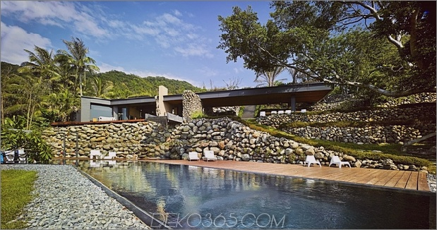 3-Oceanfront-Home-Terraced-Rock-Site.jpg