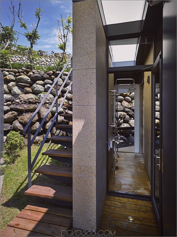 4-Oceanfront-Home-Terraced-Rock-Site.jpg