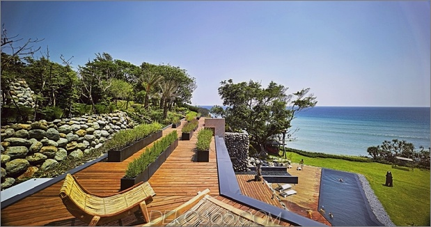 6-Oceanfront-Home-Terraced-Rock-Site.jpg