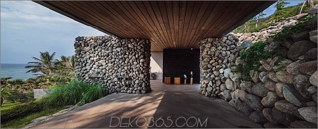 13-Oceanfront-Home-Terraced-Rock-Site.jpg