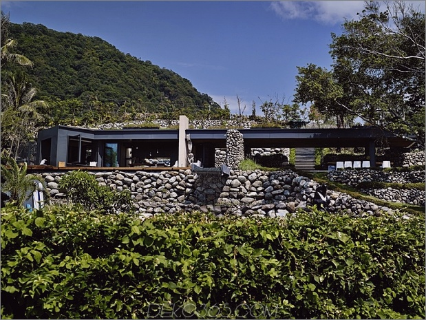 14-Oceanfront-Home-Terraced-Rock-Site.jpg