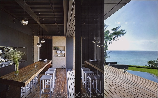 20-Oceanfront-Home-Terraced-Rock-Site.jpg