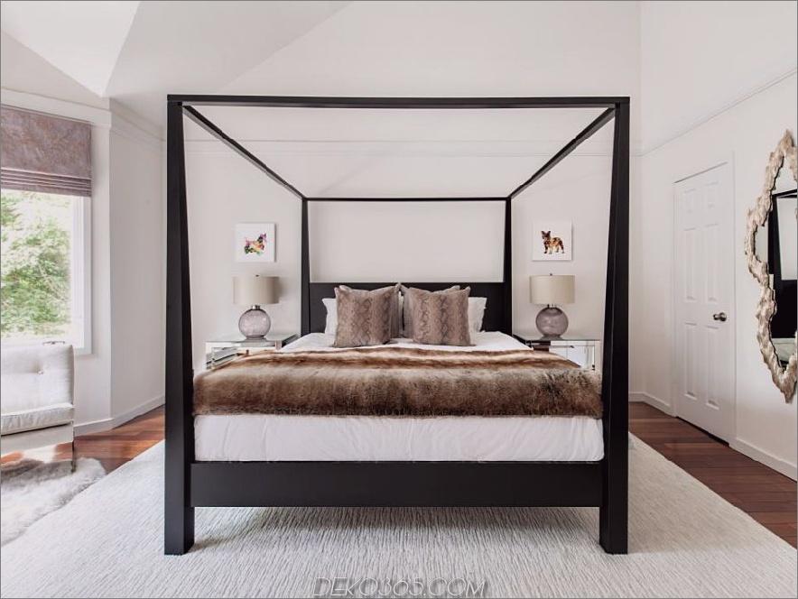 Himmelbett als Mittelpunkt in einem Schlafzimmer von Claire Paquin