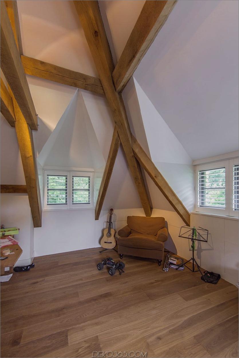 Holzbalken setzen die Tradition im Haus fort
