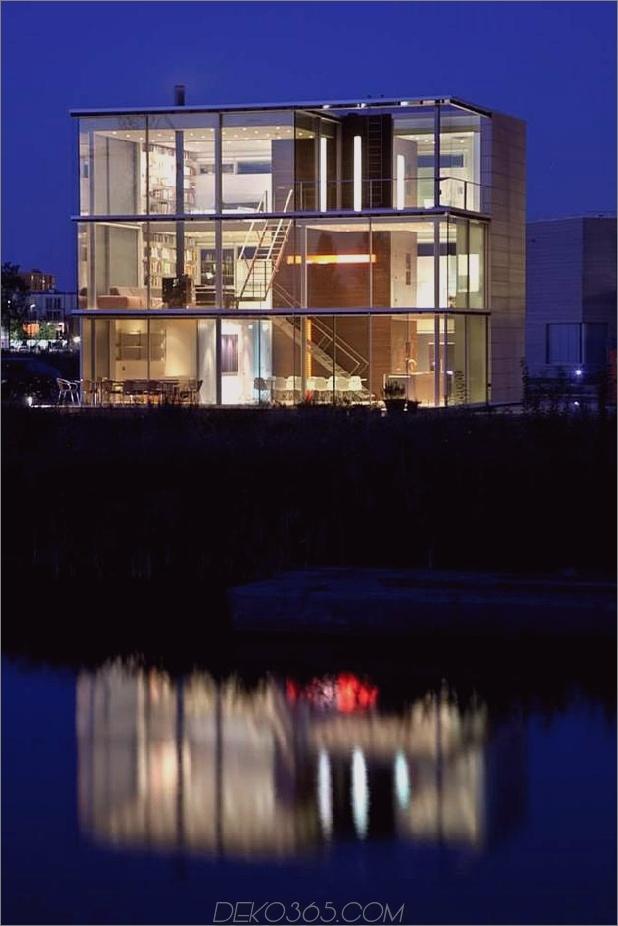 nachhaltig-kastenförmig-home-panoramablick-verglasungen-3-wasser-nacht.jpg