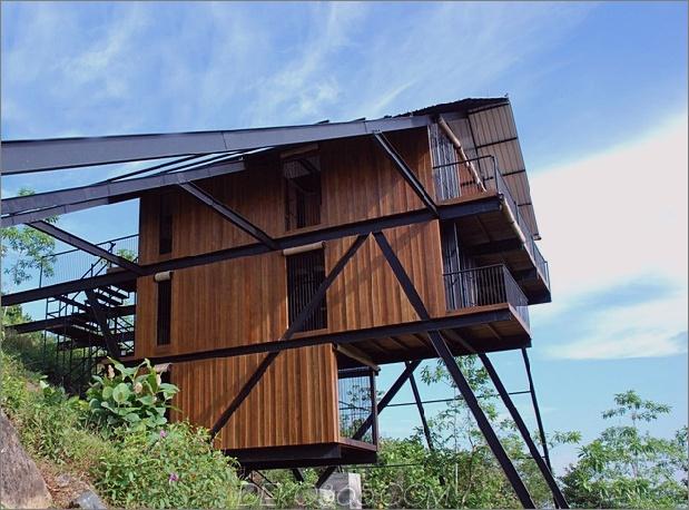 Tall Escape leitet Form abgewinkelte Stahlstützen 2 Seitenhaupt Daumen 630x466 20081 Tall Bungalow The Ark ein Drei-Schlafzimmer-Eco-Retreat in Sri Lanka