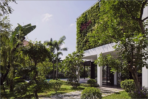 renovation-transforms-home-open-plan-living-walls-3.jpg