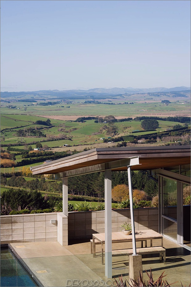 abgestufte U-förmige Abhang-zu-Hause-freiliegende Stahlelemente-3-Terrasse.jpg