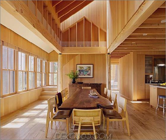 Holz-Landhaus-Hof-4.jpg