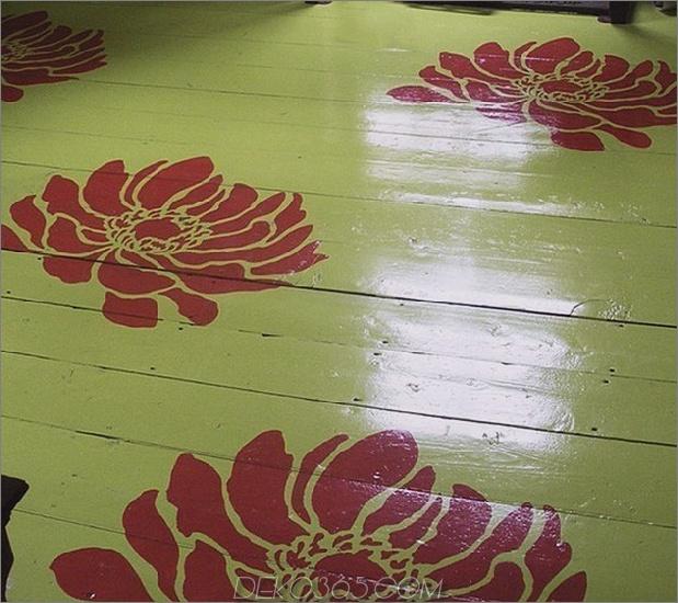 Übergroße-Burgunder-Blumen-Schablonen-auf-grün-Boden.jpg
