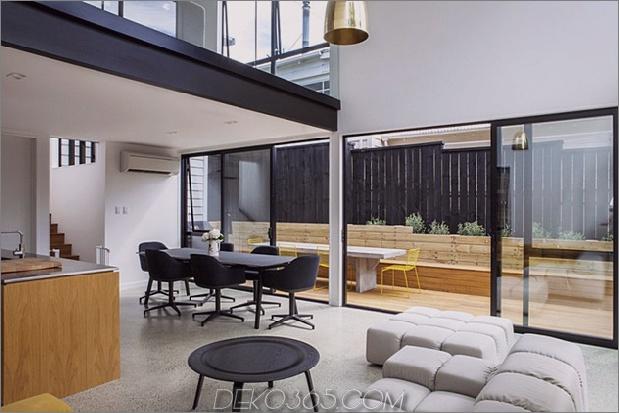 Traditionelles Ferienhaus-Neuseeland-erweitert-Modern-Box-Haus-4-dining.jpg