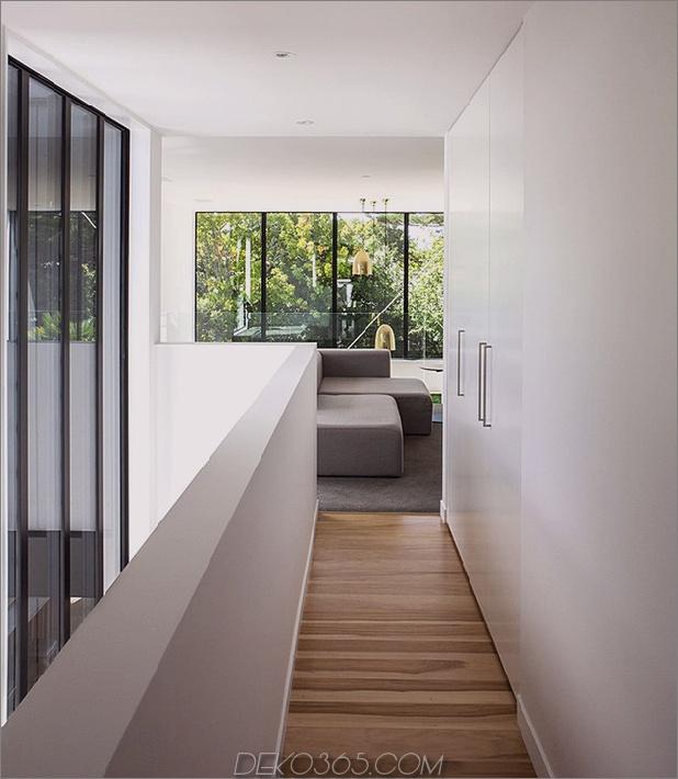 Traditional-Cottage-Neuseeland-erweitert-Modern-Box-Haus-12-Flur.jpg