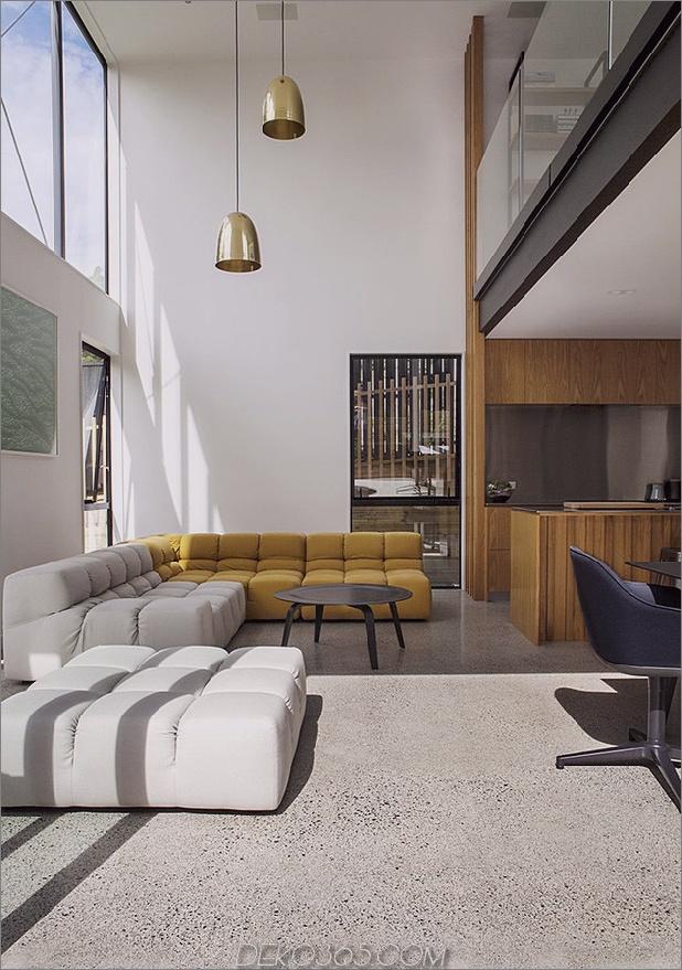 Traditionelles Ferienhaus-Neuseeland-erweitert-Modern-Box-Haus-19-living.jpg