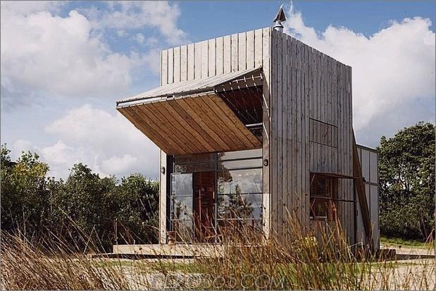 transportabel-nachhaltig-Strandhütte-Reste-2-Holzschlitten-3-Fenster-halb-offen.jpg