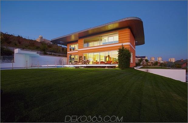 ultramodernes Haus mit lebendiger Beleuchtung Designschwerpunkt 1 Äußerer Tagesdaumen 630xauto 45216 Ultramodernes Orange House nimmt Beleuchtung zu Hause extrem auf