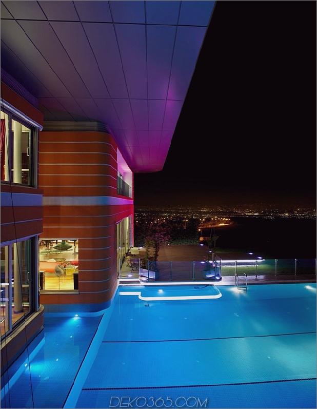 ultramodernes-haus-mit-lebendiger-beleuchtung-design-fokus-3-pool-night.jpg