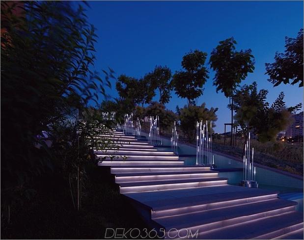 ultramodernes-haus-mit-lebendiger-beleuchtung-design-fokus-5-einstiegsschritte.jpg