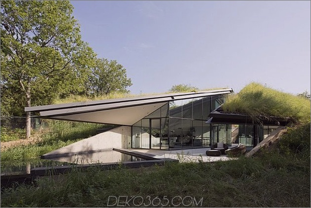 künstlerisches unterirdisches Öko-Haus 2 thumb 630x420 9134 Unterirdisches Öko-Haus in Wohn- und Schlafhälften aufgeteilt