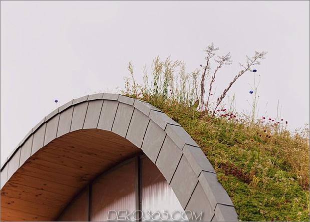 Untergrund-Wellenhaus-mit-Wildblume-und-Kräuteraußenseite-9.jpg