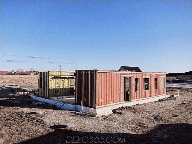 Passivhaus aus Versandbehältern und Recyclingmaterialien 16.jpg