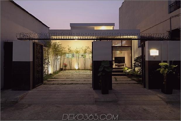 städtisch vietnamesisches Haus kombinierter Raum Innengarten 2 Tore thumb 630x420 18743 Urbanes vietnamesisches Haus Garten, Küche, Ess- und Wohnraum in einem Raum