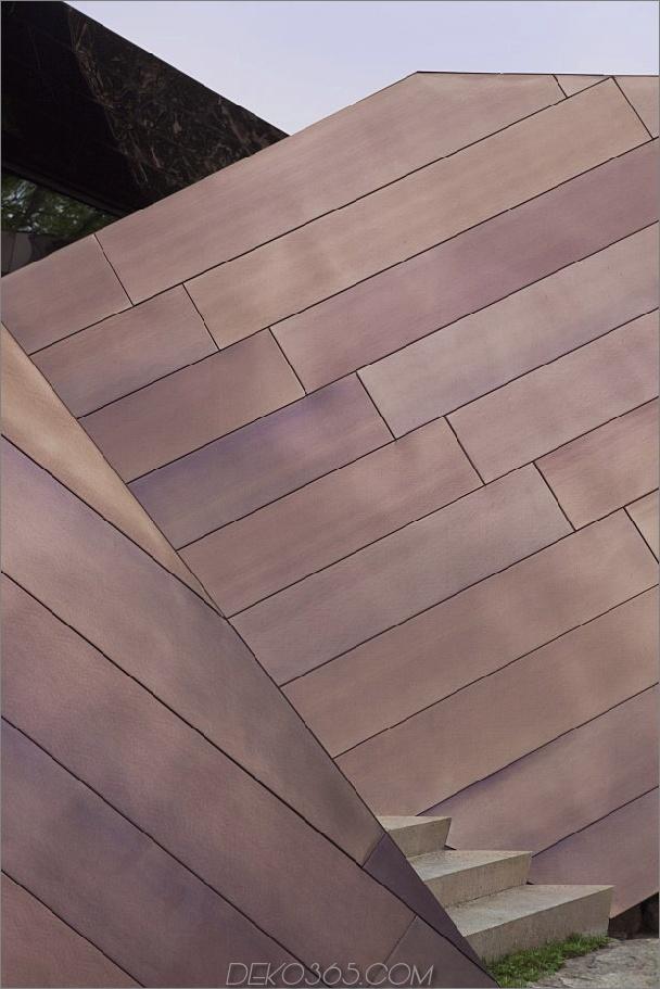 verdreht-reflektierendes Haus-mit abgewinkelten Wänden-und-Decken-5.jpg