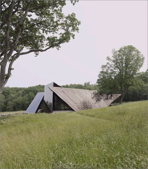 verdreht-reflektierendes Haus-mit-Winkel-Wände-und-Decken-14.jpg