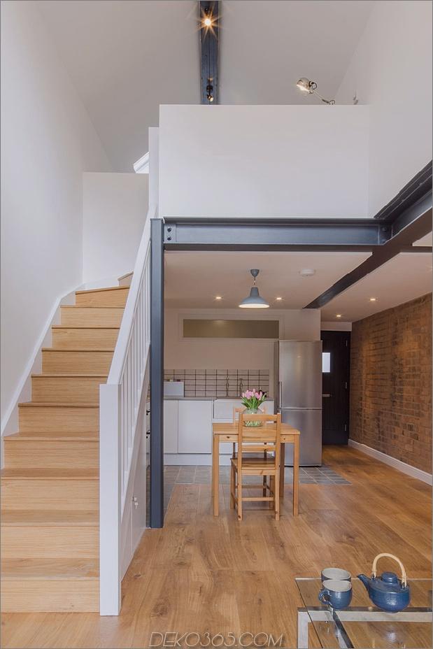 4-baufälliges Wohnhaus-Dachgeschoss.jpg