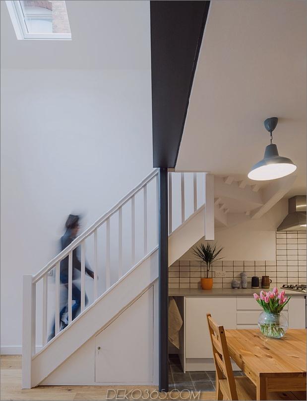 9-baufälliges Wohnhaus-Dachgeschoss.jpg