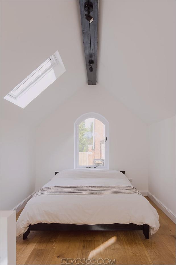 12-baufälliges Wohnhaus-Dachgeschoss.jpg