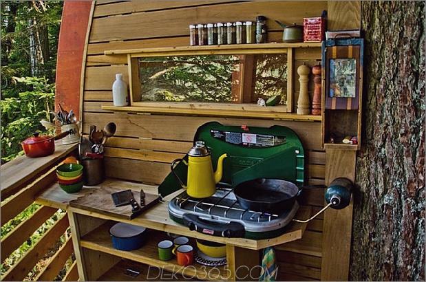 Hängende-Holz-Pod-Kabine-um-Baumstamm-16-Kochen-offene-Seite.jpg