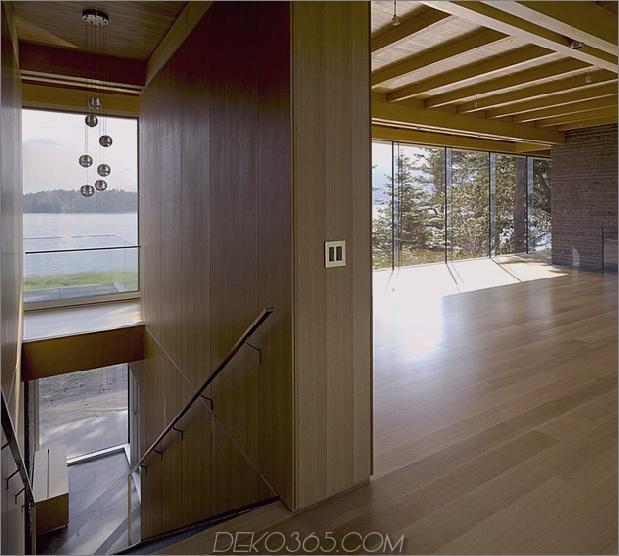 weitläufige-facettenreiche-kanadische-home-features-glass-all-side-11-landing.jpg