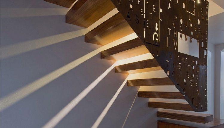 Vierstöckiges Reihenhaus mit einem erstaunlichen Treppenhaus_5c58fa41caec0.jpg