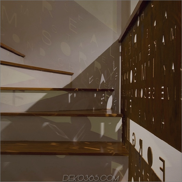 9-reihiges Haus-4-stöckiges-Baum-erstaunliches-Treppenhaus.jpg