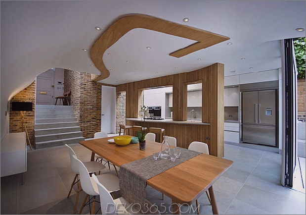 victorian-home-in-london-gets-kurvaceous-bodacious-extension-4.jpg