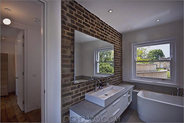 victorian-home-in-london-gets-kurvaceous-bodacious-extension-15.jpg