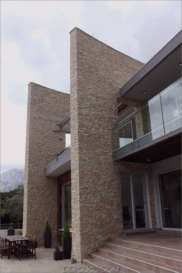 villa-with-curved-stone-walls-on-adriatic-sea-5.jpg
