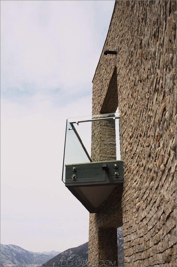 Villa mit gebogenen Steinmauern auf Adria-Meer-8.jpg