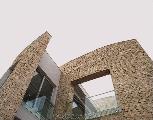 Villa mit gebogenen Steinmauern auf Adria-Meer-9.jpg