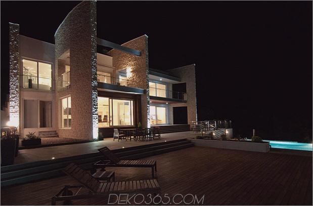 Villa mit gebogenen Steinmauern auf Adria-Meer-13.jpg