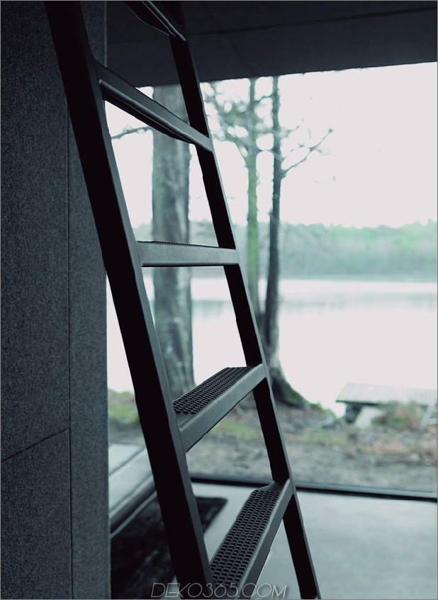 vipp-shelter-metal-fertighaus-schiffe-decor-8-ladder-1.jpg