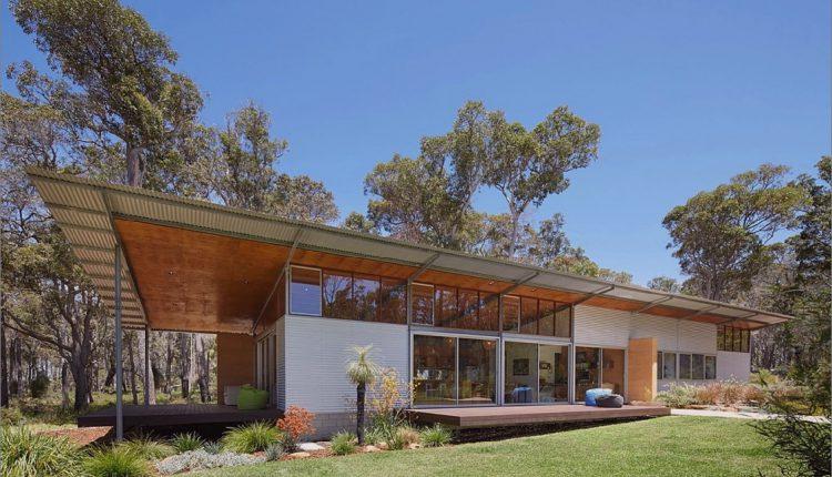 Vorgefertigtes galvanisiertes Stahlrahmen-Haus mit Skateboard-Rampe draußen_5c58e2a291213.jpg