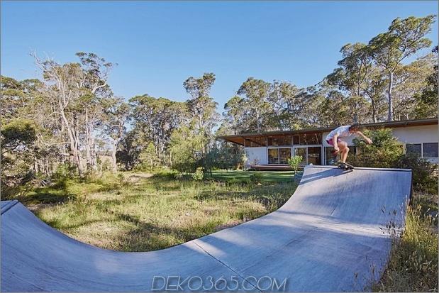 Vorgefertigtes galvanisiertes Stahlrahmen-Haus mit Skateboard-Rampe draußen_5c58e2a362864.jpg