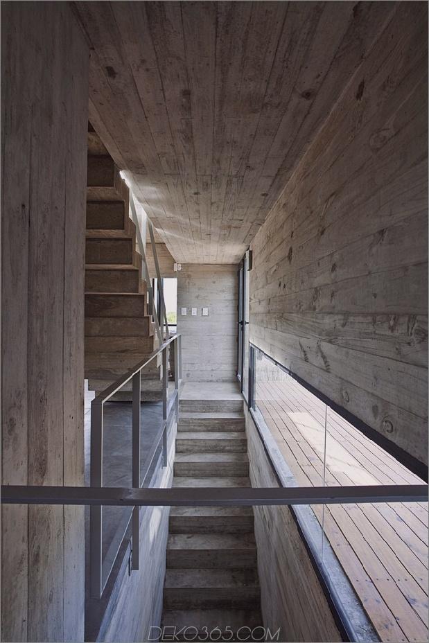 wartungsarm aus beton-strandhaus-6-treppenhaus.jpg