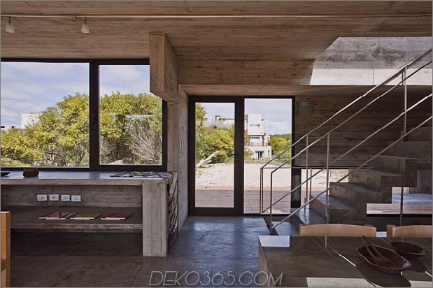 wartungsarm aus beton-strandhaus-15-treppen.jpg