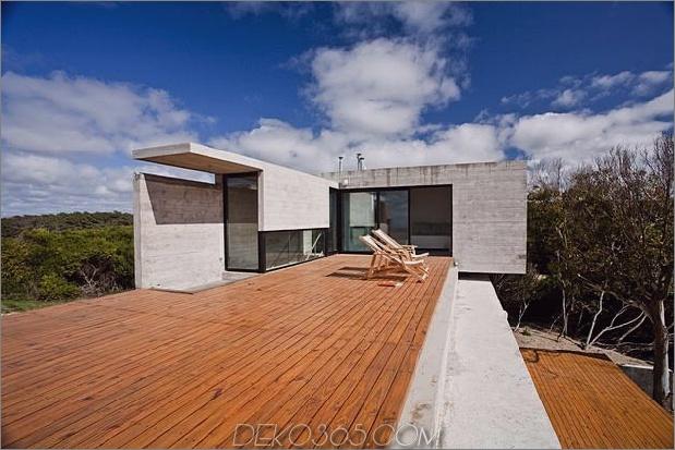 wartungsarmes Beton-Strandhaus-18-Terrasse.jpg