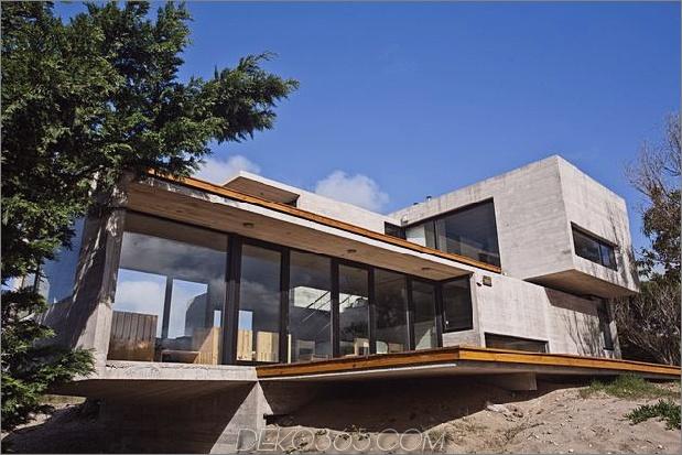 wartungsarmes Beton-Strandhaus-26-deck.jpg