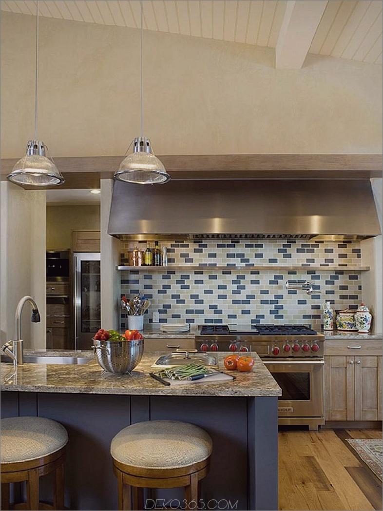 Zeitgenössische Küche in Blau und Elfenbein